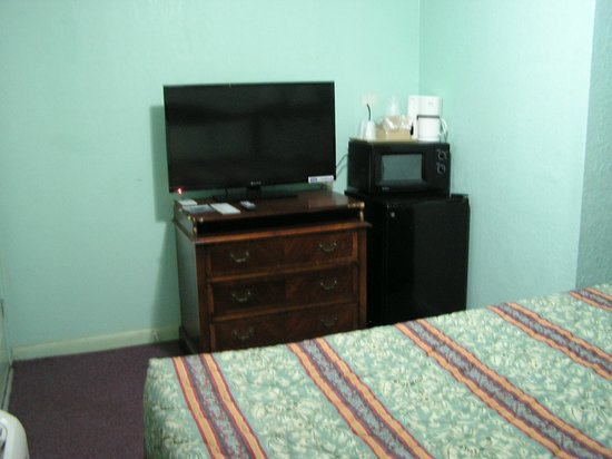 American Inn Motel : king bed