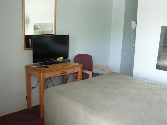 American Inn Motel : singal full bed