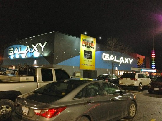 Orangeville, Canada: Galaxy Cinema at night