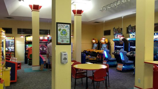 The Breakers : arcade - even dad played some games!