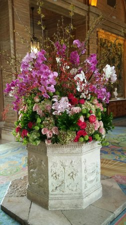 The Breakers: lobby flower presentation - competition for George V Paris