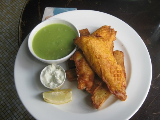 Turk's Head: Fish and chips with split peas