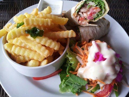 Labadi Beach Hotel : Salsa shrimp wrap