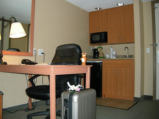 Hampton Inn & Suites Lathrop: Desk