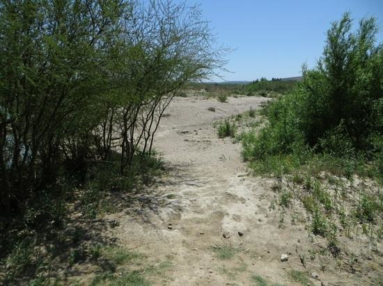Big Bend National Park: Trail to Rio Grande river crossing at Boquillas (legal)