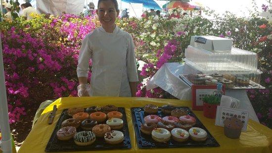 La Cruz de Huanacaxtle Mercado: Donut with passionfruit glaze....mmmmm