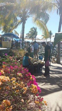 La Cruz de Huanacaxtle Mercado: straw hats