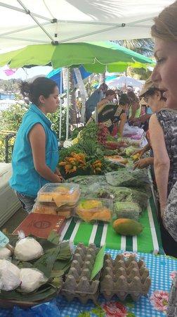 La Cruz de Huanacaxtle Mercado: Found squash blossoms