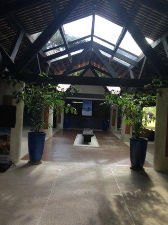 Tivoli Ecoresort Praia do Forte: corredor recepção