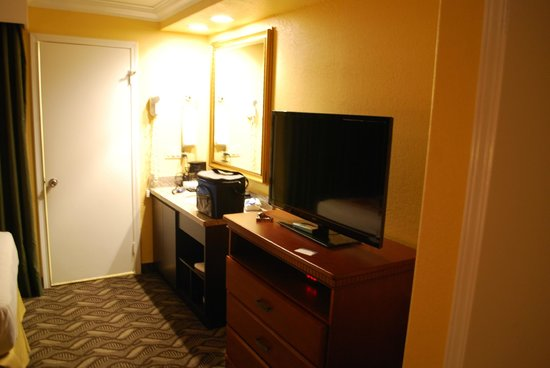 Best Western Moreno Hotel & Suites: The guest room of our suite