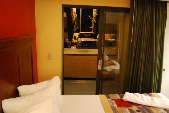 BEST WESTERN Moreno Hotel & Suites: Private enclosed patio and close to parking