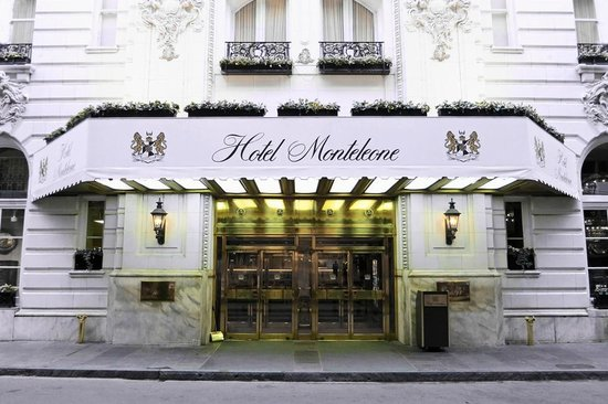 Hotel Monteleone : HM From Royal Street