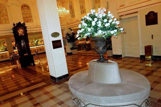 Hotel Monteleone: HM Lobby