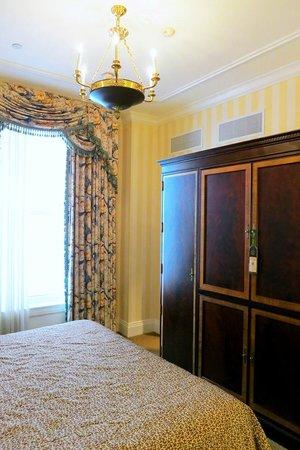 Hotel Monteleone: Room 368 Guestroom