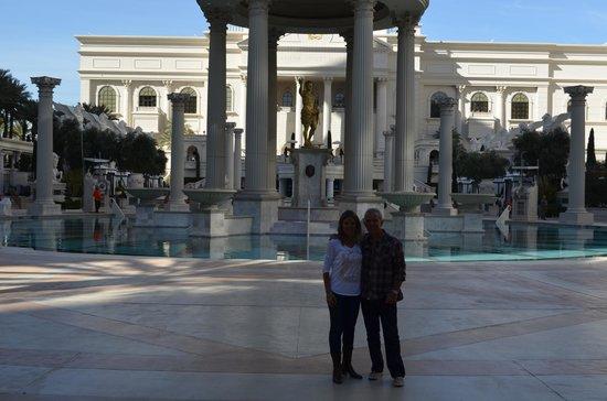 Caesars Palace : majestuosa zona de piletas