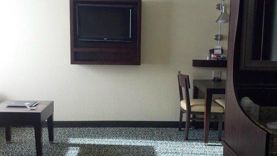 Residence Inn San Diego Downtown/Gaslamp Quarter: TV