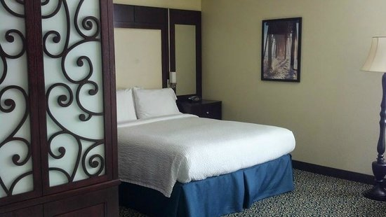 Residence Inn San Diego Downtown/Gaslamp Quarter: bed