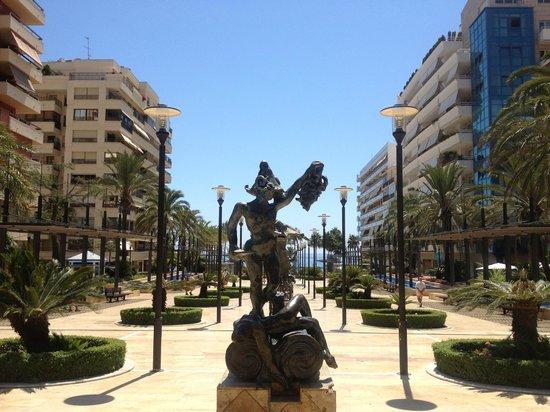Avenida del Mar: Esculturas