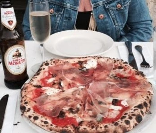 Scuola Vecchia Pizza E Vino: mangia e bevi