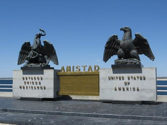 Amistad National Recreation Area: Middle of the dam