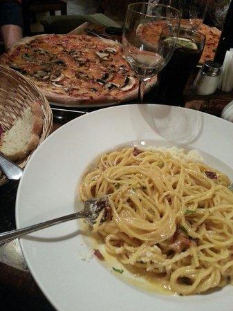 Ristorante Carmelita Pizzeria: Best pizza ever!!!