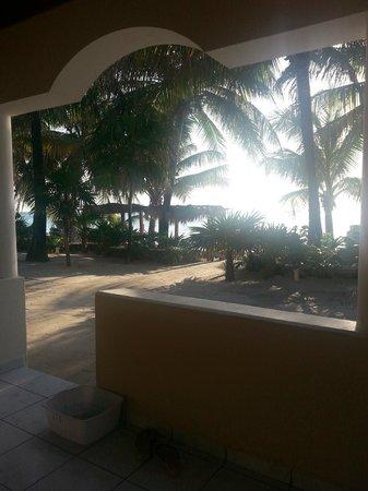 Mayan Princess Beach & Dive Resort : view from deck