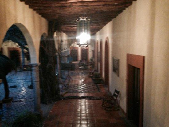 Margarita's Plaza Mexicana: The hotel hallway