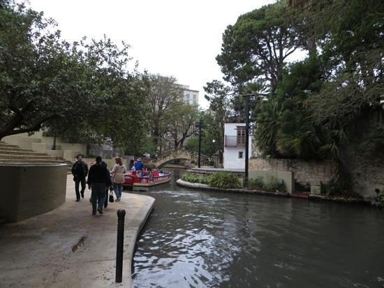 River Walk: Lovely