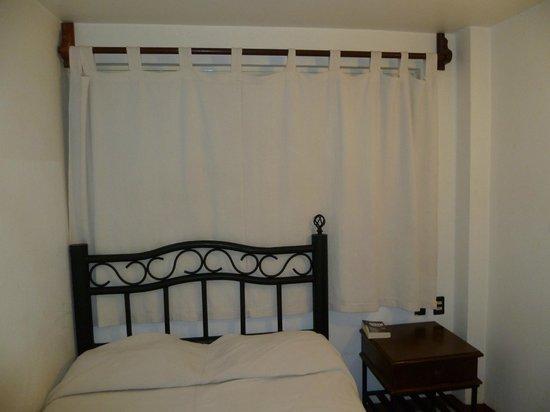 Hotel Posada del Marques: Habitación pequeña
