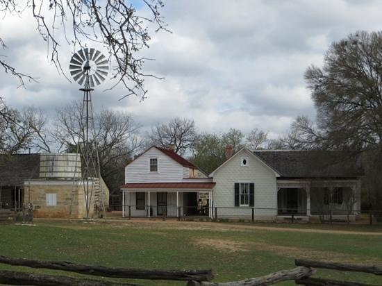 The Sauer-Beckmann Farmstead Tours : Farmhouse