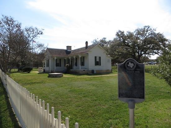 Lyndon B. Johnson National Historical Park: Boyhood home in Johnson City