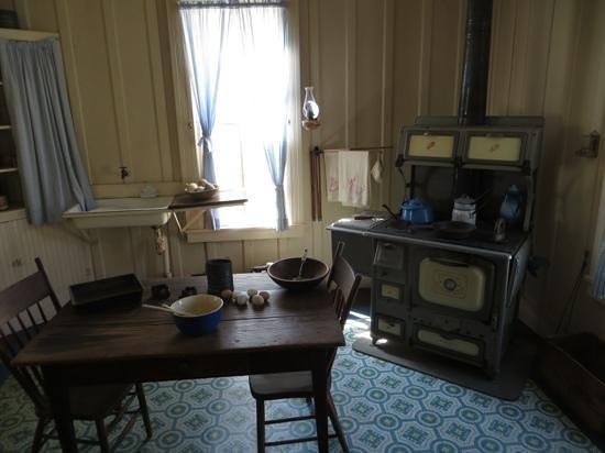 Lyndon B. Johnson National Historical Park: Boyhood home's kitchen