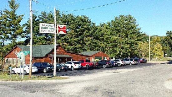 Midway Duck Inn