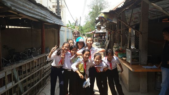Cai Be Floating Market : Local Students