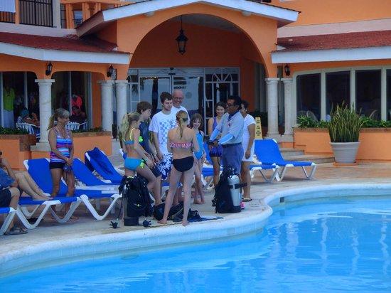 El Cozumeleño Beach Resort: Scuba class kids.