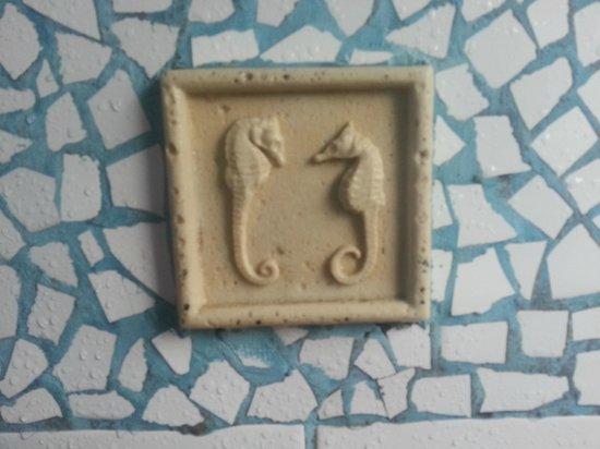 Golfinho Tropical: Detalhe banheiro