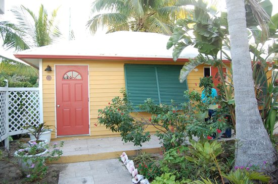 Augusta Bay Bahamas: Our room/building