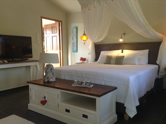 "Bamboo Bali Bonaire - Boutique Resort : ""Heaven can Wait"" interior"