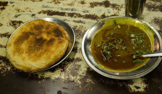 Rahim ki Nihari : The Nahari and Kulcha