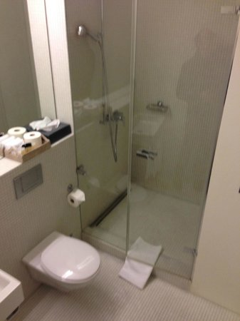 Hotel NI-MO: Bathroom