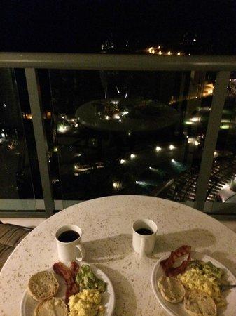 Marriott Ko Olina Beach Club : Jet lagged, made breakfast at 4:00