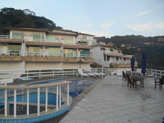Hotel Pousada Experience Joao Fernandes: Pileta y habitaciones
