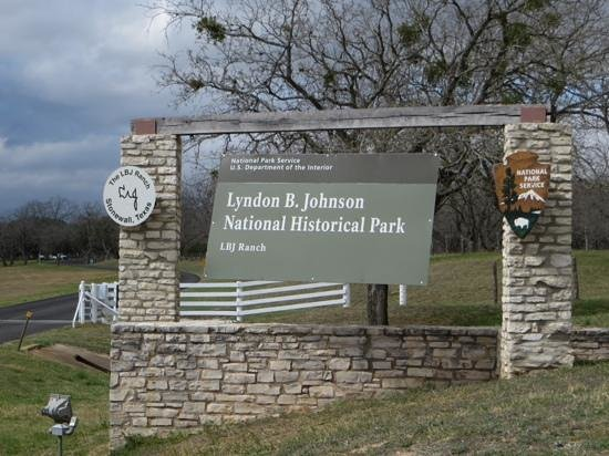 Lyndon B. Johnson State Park & Historic Site: Entrance