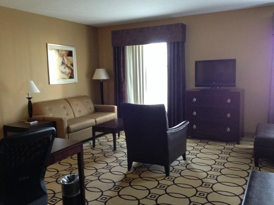 Hampton Inn & Suites Brunswick: room
