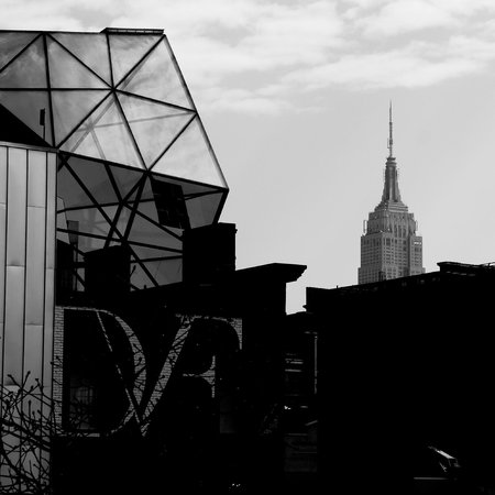 Uncle Sam's New York Walking Tours: DVF Store and ESB from the High Line