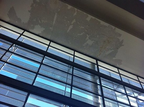 Hilton Windhoek: Leaky roof!