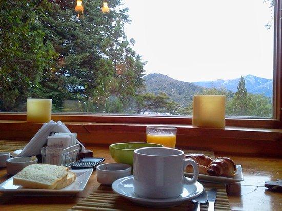 Peninsula Petit Hotel: Desayuno