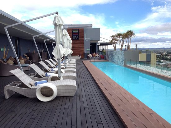 Hilton Windhoek: Roof top pool