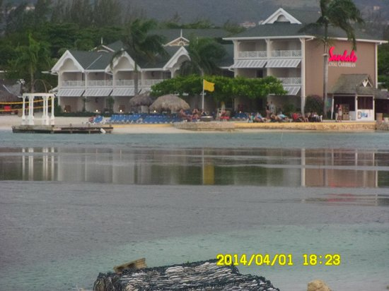 Sandals Royal Caribbean Resort and Private Island : private island view