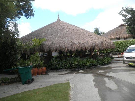 Bluewater Maribago Beach Resort: ホテルロビー